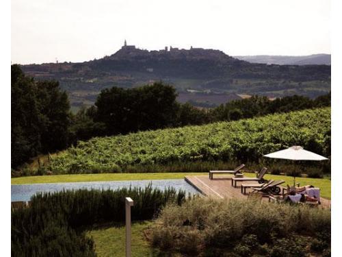 La piscina di roccafiore wine & resort su todi
