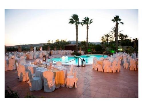 Matrimonio a bordo piscina diurna