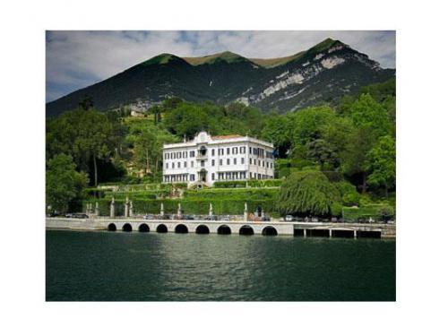 La villa sul lago di como