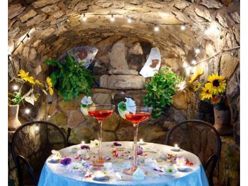 Romantico cocktail di benvenuto per gli sposi