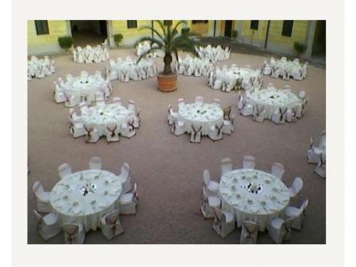 Disposizione tavoli nel piazzale