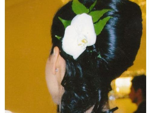Fiore tra i capelli