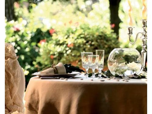 La tavola allestita