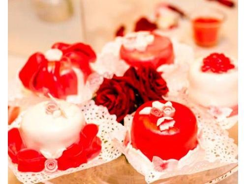 Piccoli dolci con roselline