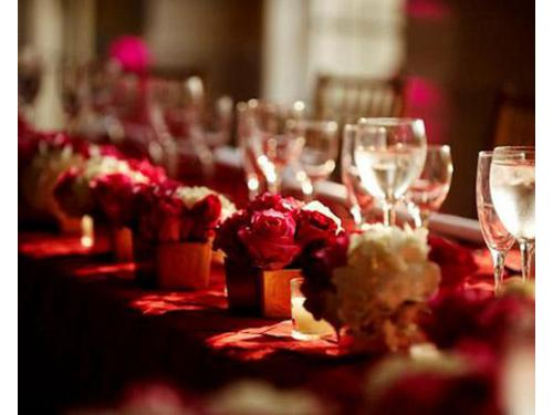 Decorazioni floreali eleganti per eventi nuziali