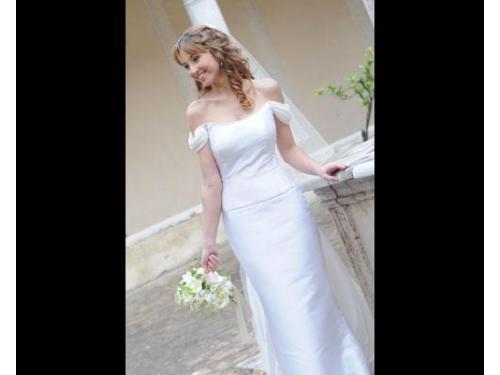 La sposa ed il suo bouquet