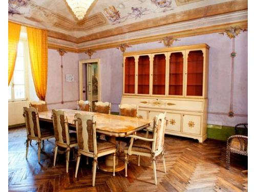 Tavoli nella sala interna