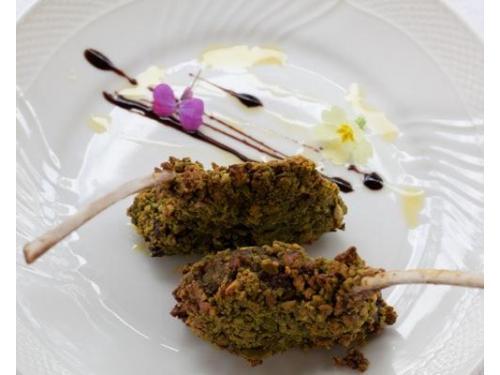 Costolette di agnello impanate con pistacchi