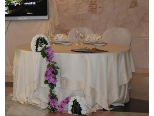 Allestimento floreale per la location di nozze