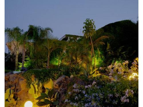 Il giardino rigoglioso vanto di casa delle terre forti