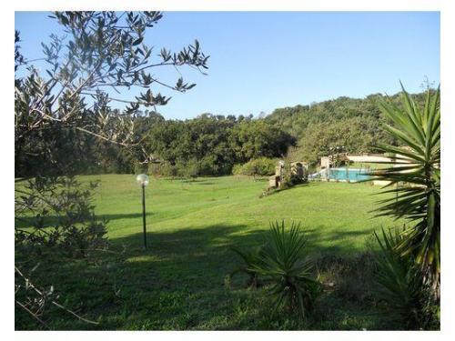Veduta del terrazzo della piscina e della vallata