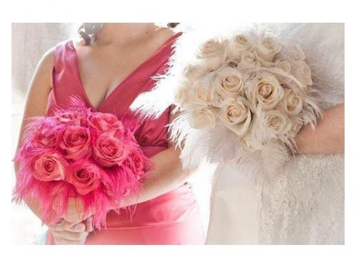 Bouquet rose e piume e bouquet damigella