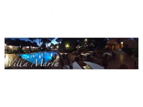 La piscina di villa marta
