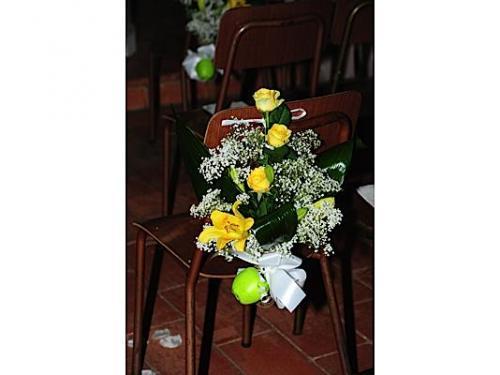 Un allestimento floreale per la chiesa