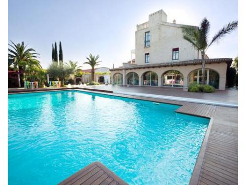 Una piscina di una bellezza surreale