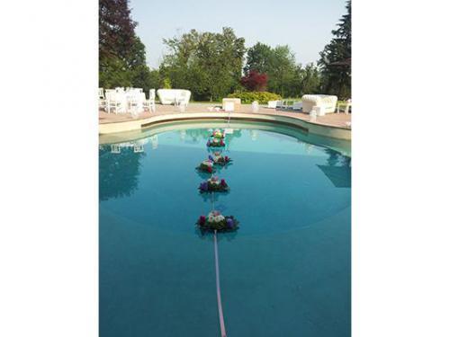 La piscina allestita