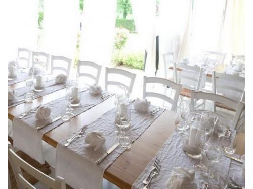 Sala da pranzo con vista giardino