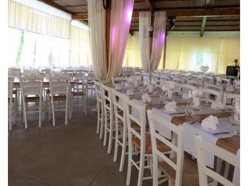 Ampia sala, fino a 200 posti a sedere