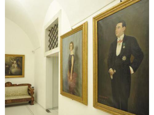 I quadri antichi che arredano la dimora storica