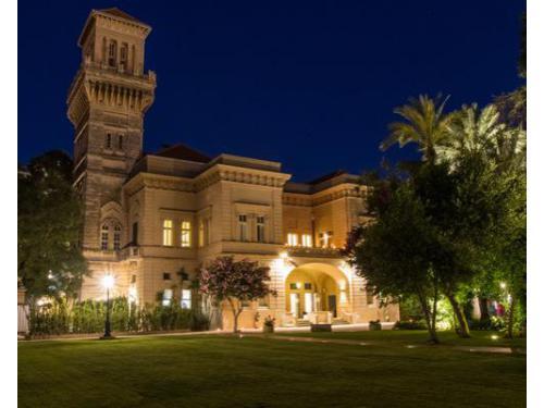 Villa de grecis di sera
