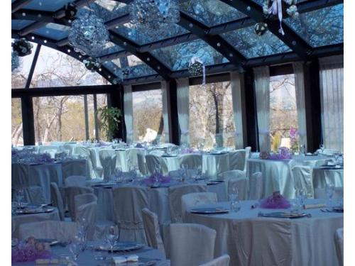 Sala giardino d`inverno in vetro e ferro