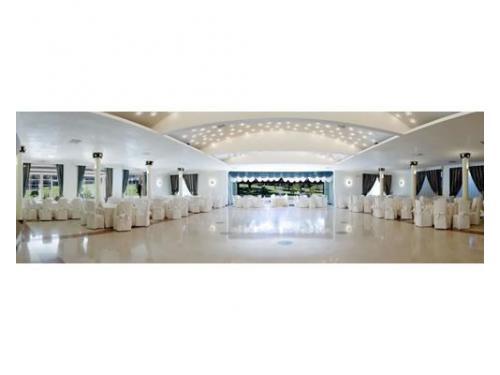 Sala ricevimenti elegante e raffinata