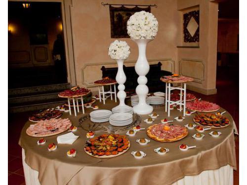 Tavolo degli antipasti