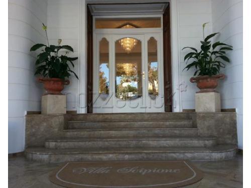 L`ingresso alla location