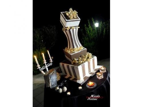 Wedding cake artistica