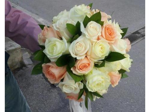Bouquet di rose avorio e salmone